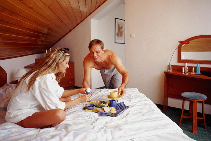 Apartament 2 pokojowy - sypialnia - salonik - Sanatorium Uzdrowiskowe Róża